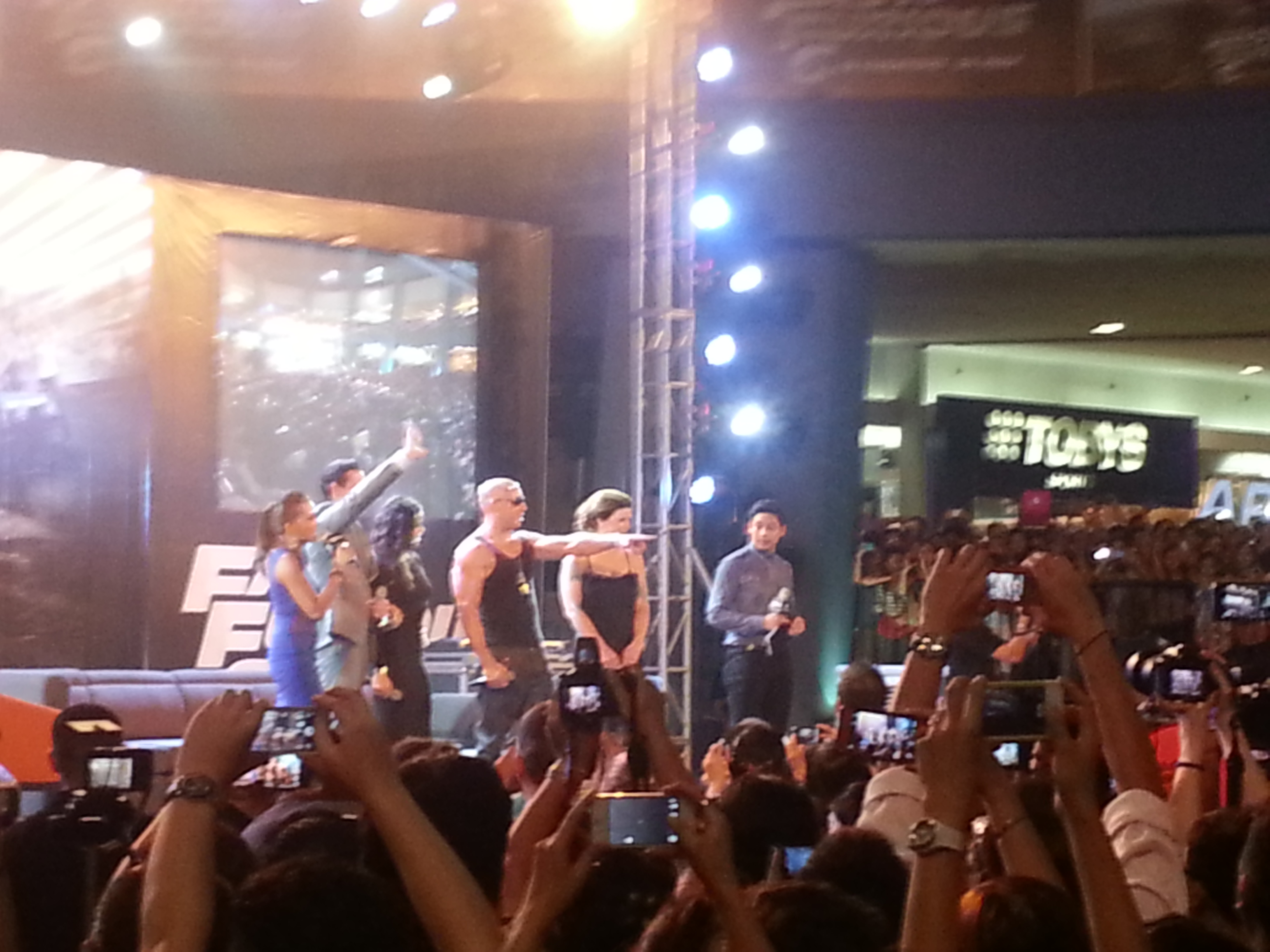4 cast members of Fast and Furious 6 visited Manila
