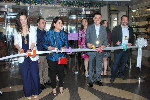 Ribbon cutting (Photo 3)