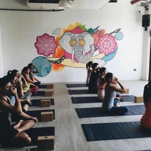class1 life yoga burgos circle